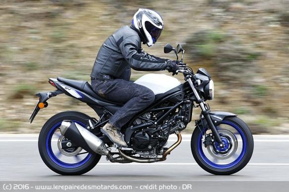 Top 10 des motos pour les petits gabarits Top-10-motos-petits-gabarits-suzuki-sv650