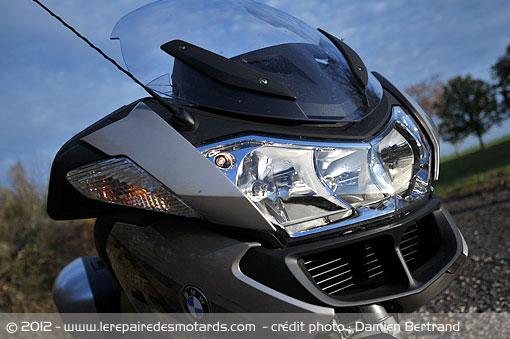 Les motos les plus moches de l'histoire ! (notre palmarès)  Bmw-r1200rt-phareav