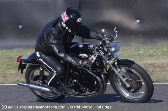 Essai Egli-Vincent Godet 1330 Café Racer Egli-vincent-godet-1330-cafe-racer-circuit-droite