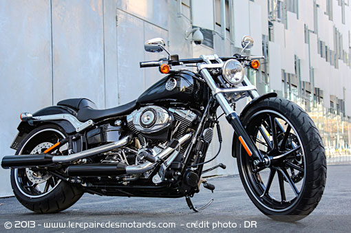 Passion : Moto - Page 3 Harley-softail-breakout-ville