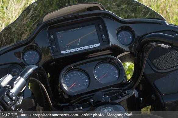 Essai Harley-Davidson Road Glide CVO 117 dans Le Repaire Compteur-harley-davidson-road-glide-cvo-117