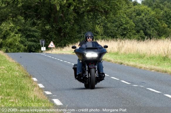 Essai Harley-Davidson Road Glide CVO 117 dans Le Repaire Harley-davidson-road-glide-cvo-117-route-face