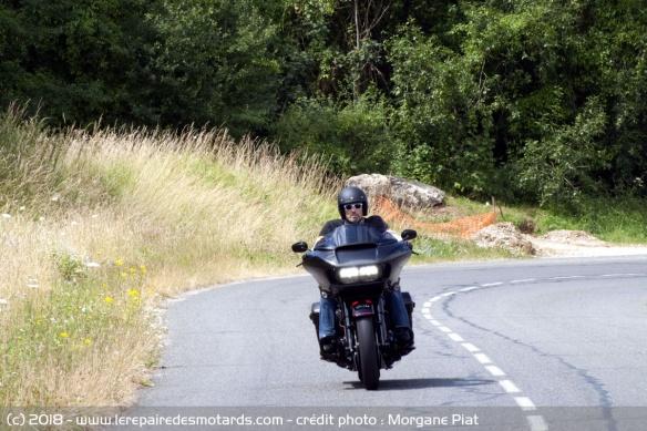 Essai Harley-Davidson Road Glide CVO 117 dans Le Repaire Harley-davidson-road-glide-cvo-117-route