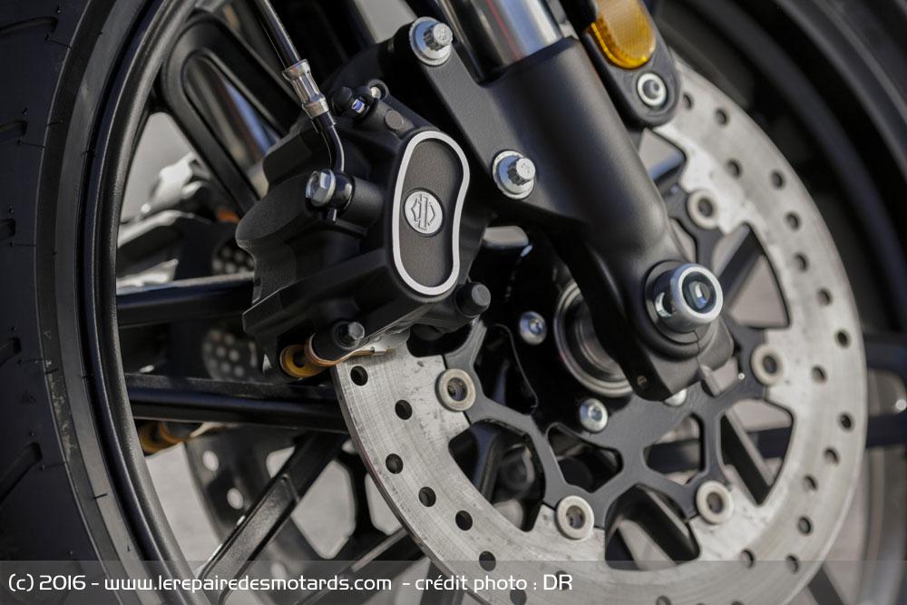 Essai : Harley-Davidson Roadster 2016 Frein-avant-harley-davidson-roadster_hd