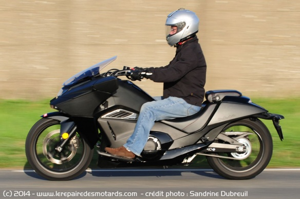Essai Honda NM4 Vultus Honda-nm4-vultus-autoroute