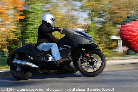 Essai Honda NM4 Vultus Honda-nm4-vultus-route
