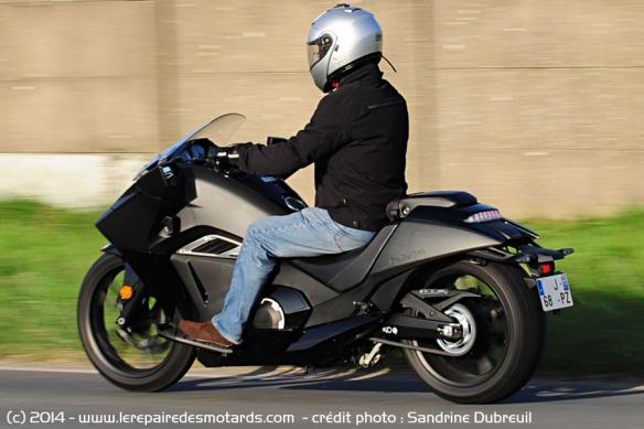 Essai Honda NM4 Vultus Honda-vultus-nm4-ar