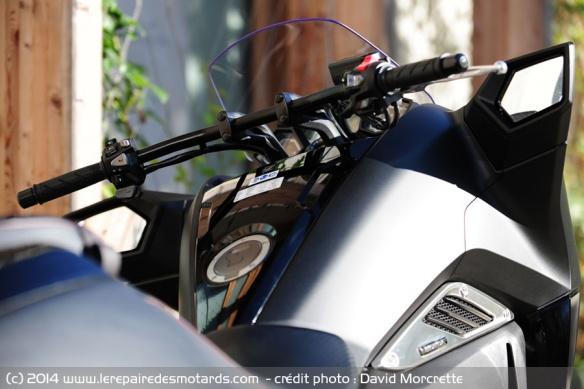 Essai Honda NM4 Vultus Pilotage-honda-nm4-vultus
