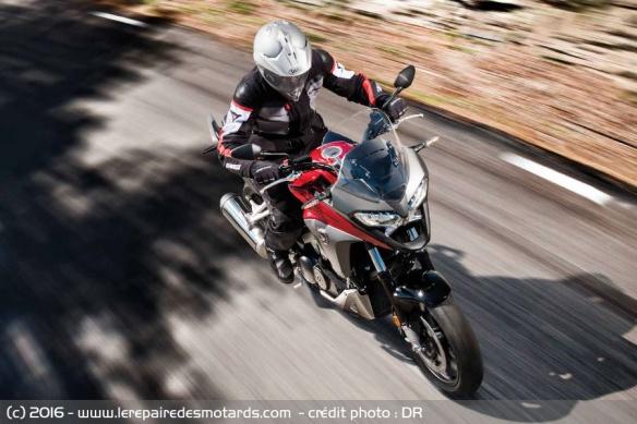 Crosstourer 2016 Honda-vfr1200x-crosstourer-autoroute