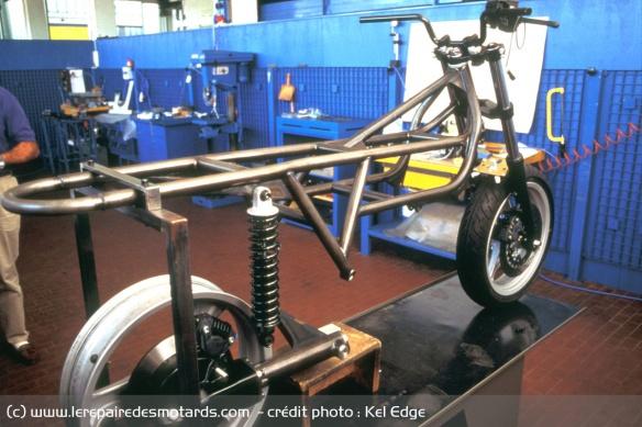 Essai moto Morbidelli 850 V8 Cadre-bimota-morbidelli-v8-850