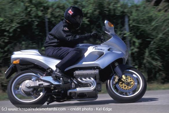 Essai moto Morbidelli 850 V8 Morbidelli-v8-850-route-profil
