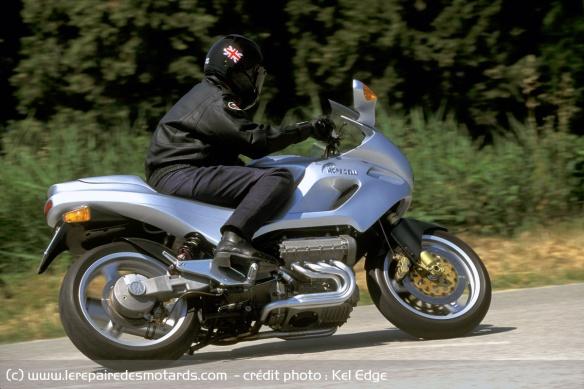 Essai moto Morbidelli 850 V8 Morbidelli-v8-850-route-suspension