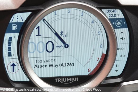 Essai comparatif motos Triumph Rocket 3 R et GT Navigation-triumph-rocket-3-r-gt