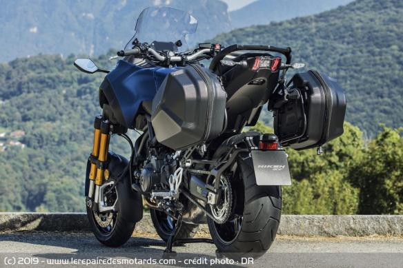 Découvrir la Yamaha 900 Niken GT - 2019 Arriere-moto-3-roues-yamaha-niken-gt