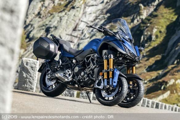 Découvrir la Yamaha 900 Niken GT - 2019 Moto-3-roues-yamaha-niken-gt-statique