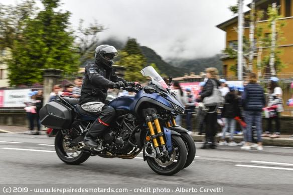 Découvrir la Yamaha 900 Niken GT - 2019 Moto-3-roues-yamaha-niken-gt-ville-profil
