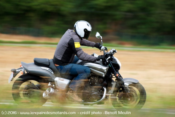 La fin du V Max 1700 Yamaha-vmax-full-power-campagne