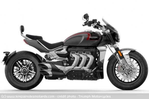 Essai comparatif motos Triumph Rocket 3 R et GT Tech-triumph-rocket-iii-gt