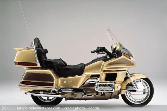 Le six cylindres et la moto Moteur-six-cylindres-honda-gl1500