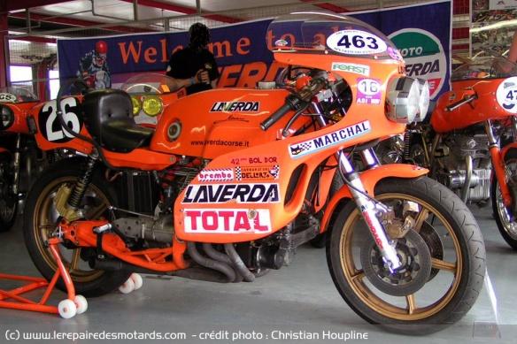 Le six cylindres et la moto Moteur-six-cylindres-laverda-1000