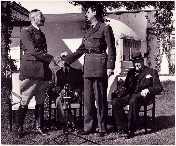 Pourquoi De Gaulle refusa-t-il toujours de commémorer le déb G%C3%A9n%C3%A9ral-Giraud-promue-par-Roosevelt-pour-tenter-de-contrer-Charles-de-Gaulle