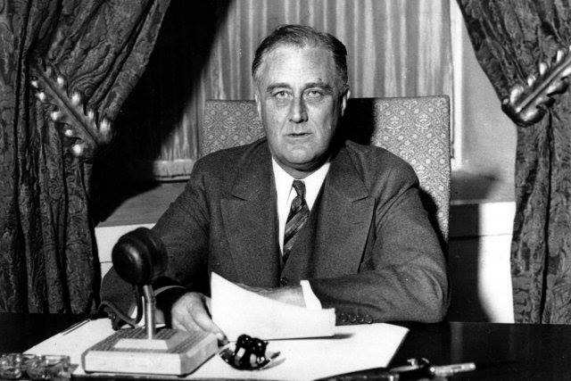 Pourquoi De Gaulle refusa-t-il toujours de commémorer le déb De-gaulle-ROOSEVELT