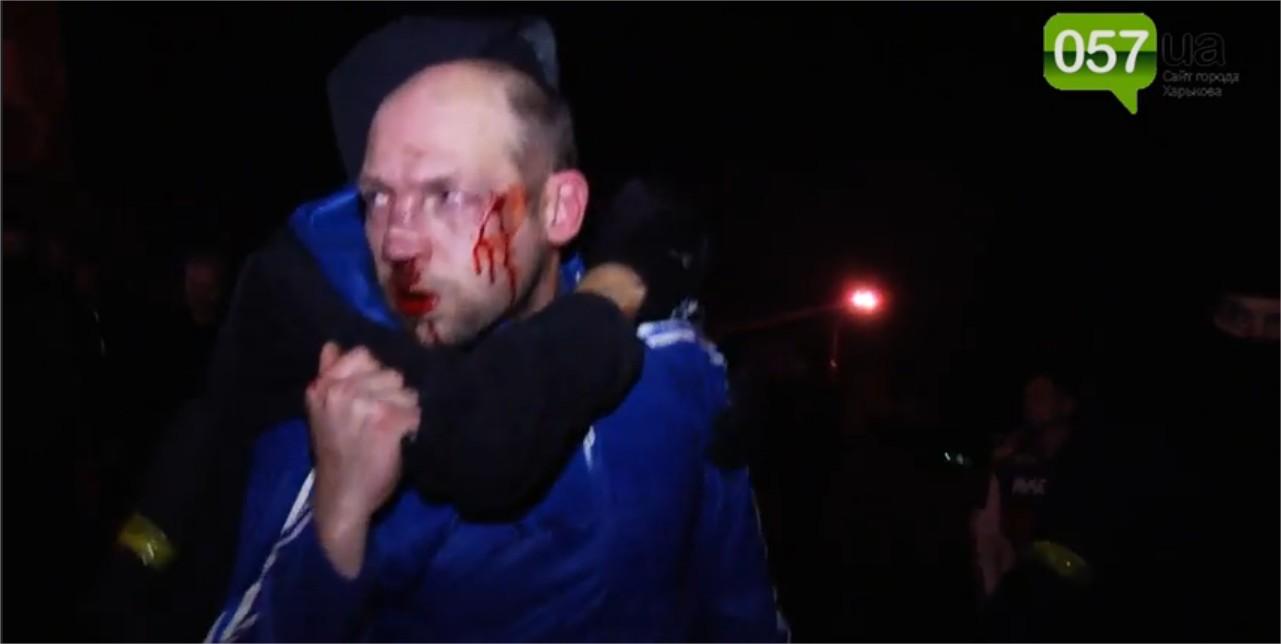 Affrontements en Ukraine : Ce qui est caché par les médias et les partis politiques pro-européens - Page 15 Violence-1