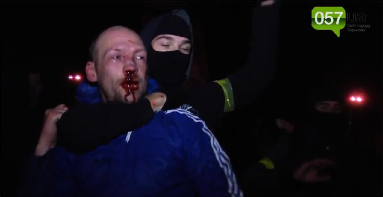 Affrontements en Ukraine : Ce qui est caché par les médias et les partis politiques pro-européens - Page 15 Violence-2
