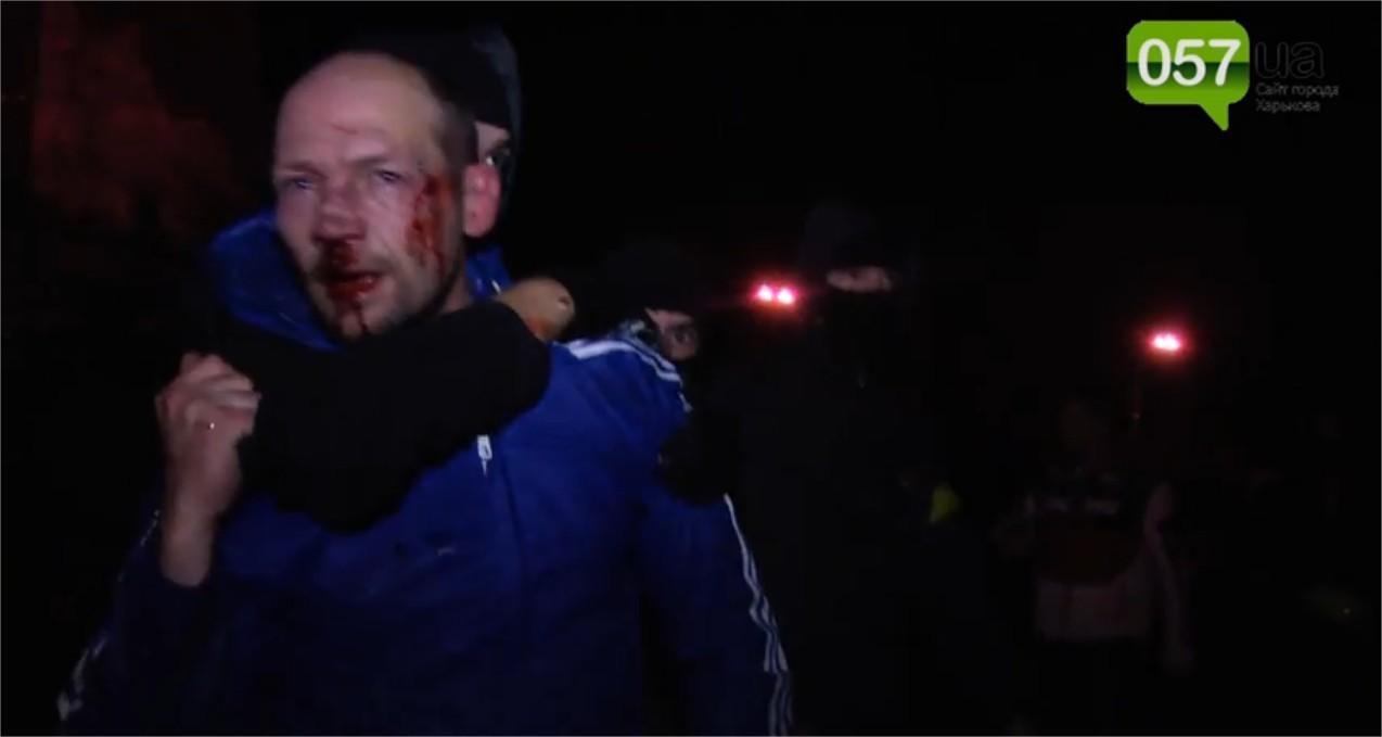 Affrontements en Ukraine : Ce qui est caché par les médias et les partis politiques pro-européens - Page 15 Violence-3