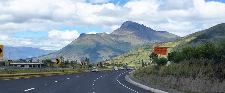 Le Saviez-Vous ? La route la plus longue du monde s'étend de l'Alaska au point le plus extrême de l'Amérique du Sud ! Route-panamericaine