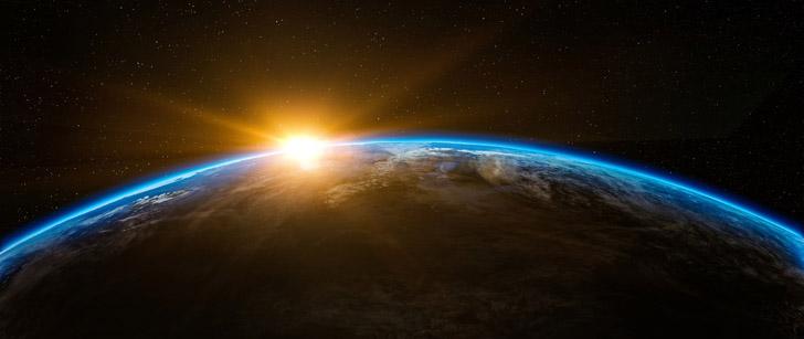 Le Saviez-Vous ? À la formation de la lune, une journée sur Terre durait entre 2 et 3 heures ! Terre