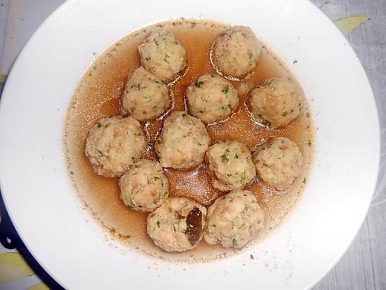 Petites boulettes de pain au bouillon (Polpettine di pane in brodo) Polpettine-di-pane-in-brodo-petites-boulettes-pain-au-bouillon