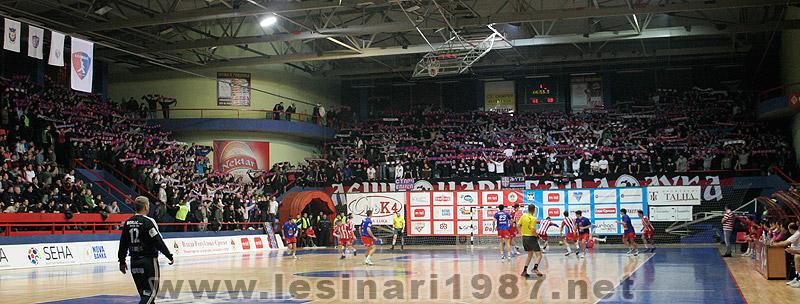 Fenomenul Ultras in alte sporturi - Pagina 4 112_rkborac-rkzvezda_4