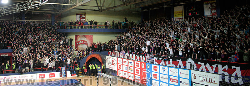 Fenomenul Ultras in alte sporturi - Pagina 4 112_rkborac-rkzvezda_6