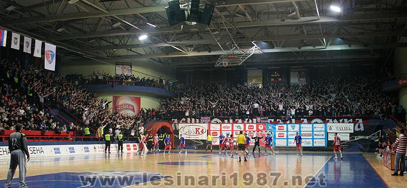 Fenomenul Ultras in alte sporturi - Pagina 4 112_rkborac-rkzvezda_8