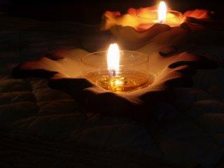 TEMOIGNAGE: Récit du périple d'un Français à travers le Tibet Bougie-tibet-jo-pekin-o8