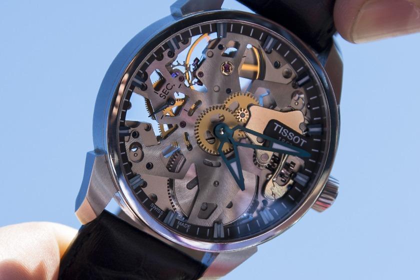 précision d'une montre automatique? - Page 5 Tissot_T-Complication-Squelette_Cadran
