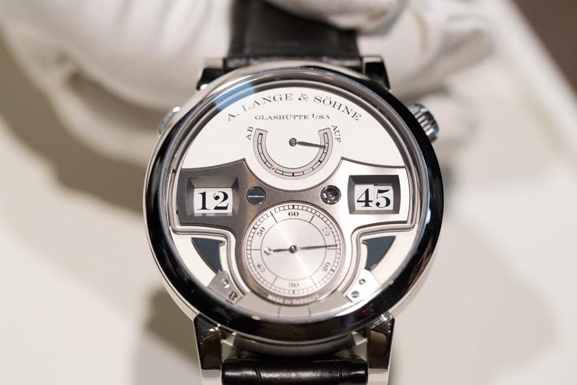 vacheron - Pour vous, quelle montre est le summum des montres ? - Page 2 A-Lange-Sohne_Zeitwerk-Repetition_Minutes-2