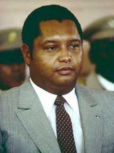 PAJ ISTWA AK IMAJ DANTAN PEYI DAYITI - Page 3 Duvalier34