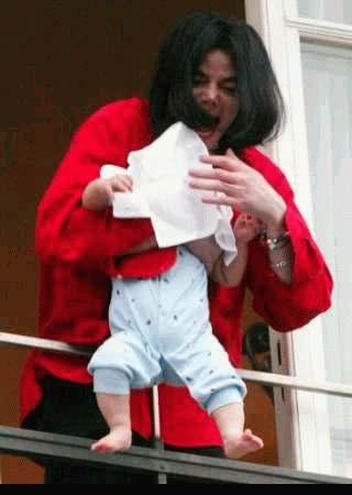Hommage Michael Jackson .... Michael_jackson_bebe1