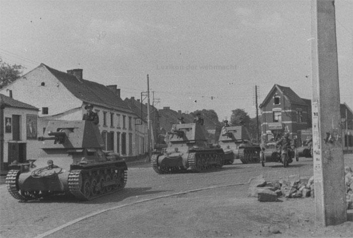 Les FCM 36 du 7e BCC face aux Panzers - Page 3 PzJAbt670-1