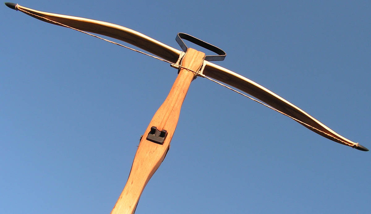 Medieval stirrup crossbow 12