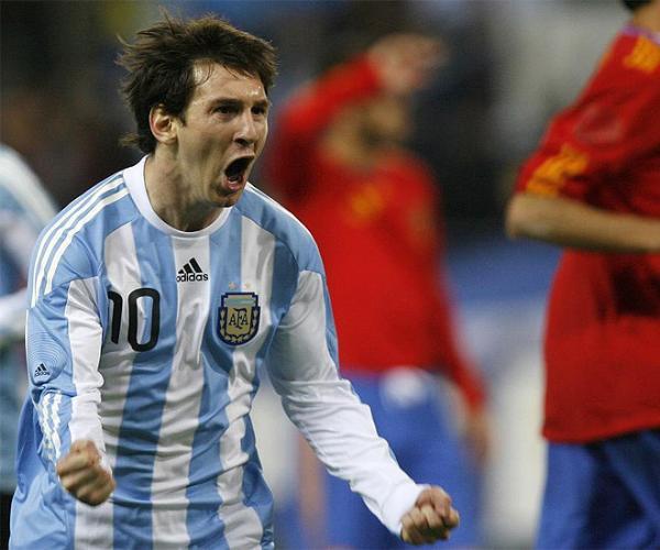 Pareto Oro Panamericano en Judo - Página 3 Messi-festejando-el-gol-de-Argentina-espana