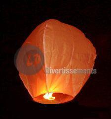 2011: le 11/08 à 23h30 - boule orange jaune silencieuse - paris la villette (75)  Lanterneorange4009_0
