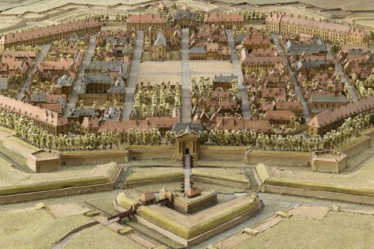 Histoire : France en relief Neuf-brisach-1116790