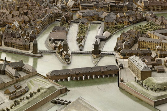 Histoire : France en relief Strasbourg-1116807