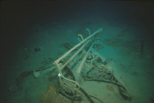 Cent ans plus tard : L'épave du Titanic Banc-titanic-1197468