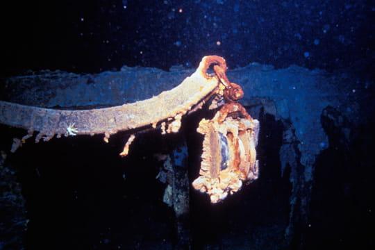Cent ans plus tard : L'épave du Titanic Bossoir-titanic-1197399