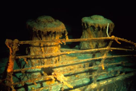 Cent ans plus tard : L'épave du Titanic Deux-cabestans-1197427