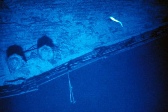 Cent ans plus tard : L'épave du Titanic Partie-pont-1197256